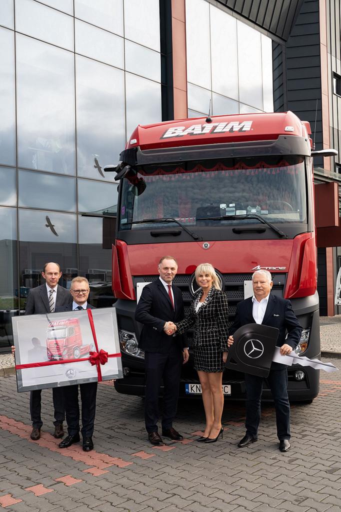 MERCEDES-BENZ: 50 nowych Actrosów w firmie Batim, Magazyn Ciężarówki