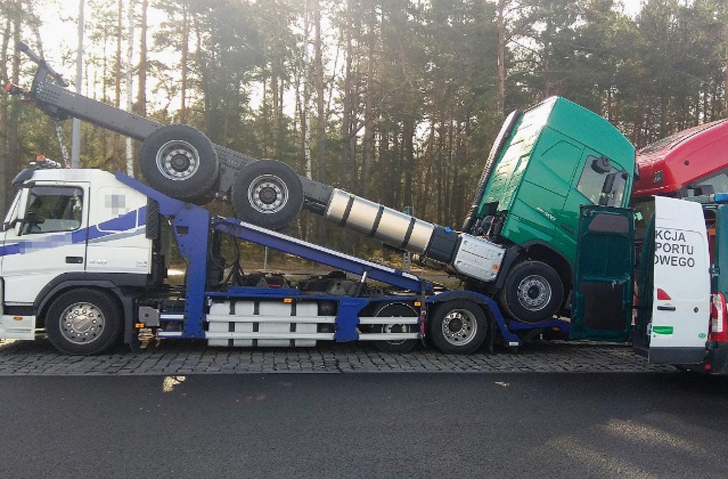 Prawo: Ciężarówki na lawecie – 21 tys. zł kary, Magazyn Ciężarówki