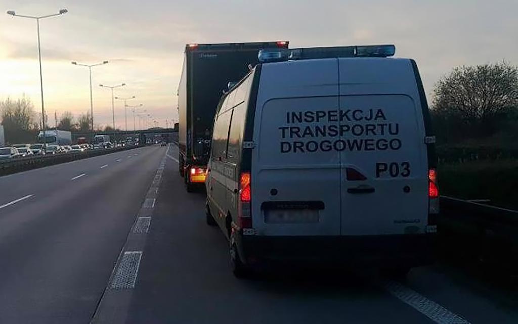 Prawo: 2 kilometry pod prąd w pobliżu przejścia granicznego, Magazyn Ciężarówki