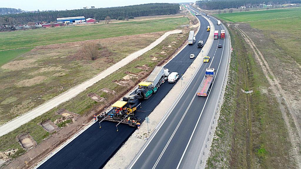 DROGI: GDDKIA podpisała umowę na kontynuację robót na S5, Magazyn Ciężarówki