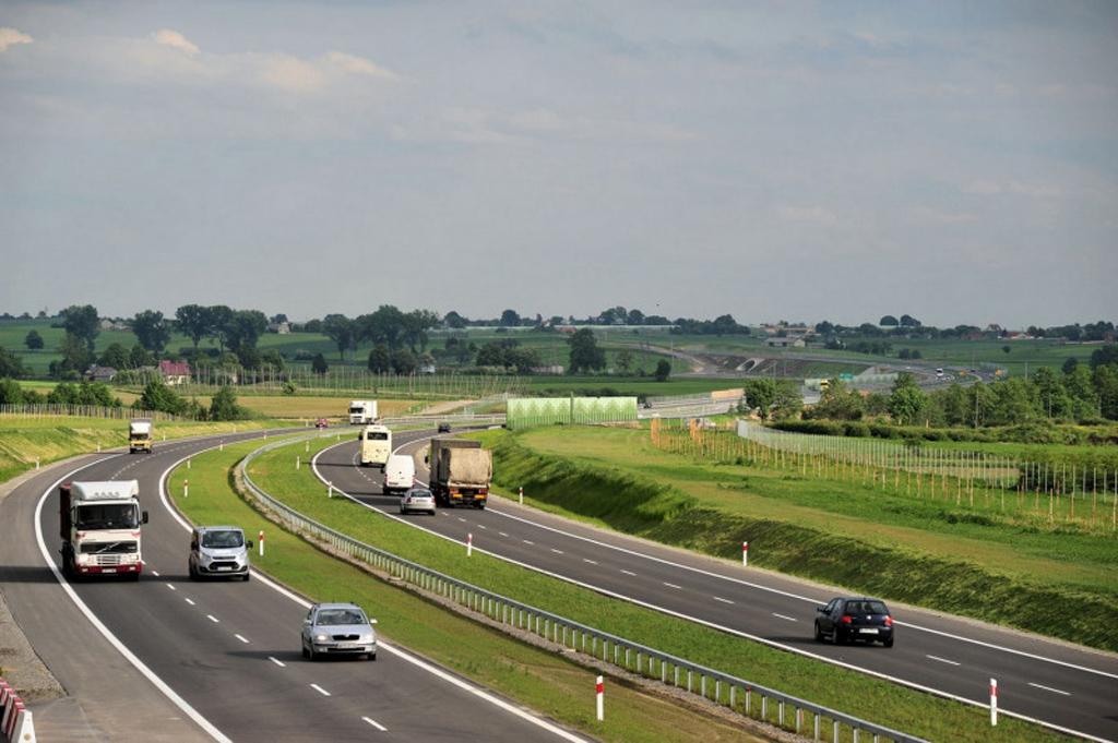 DROGI: Analiza ruchu na drogach krajowych od początku epidemii, Magazyn Ciężarówki