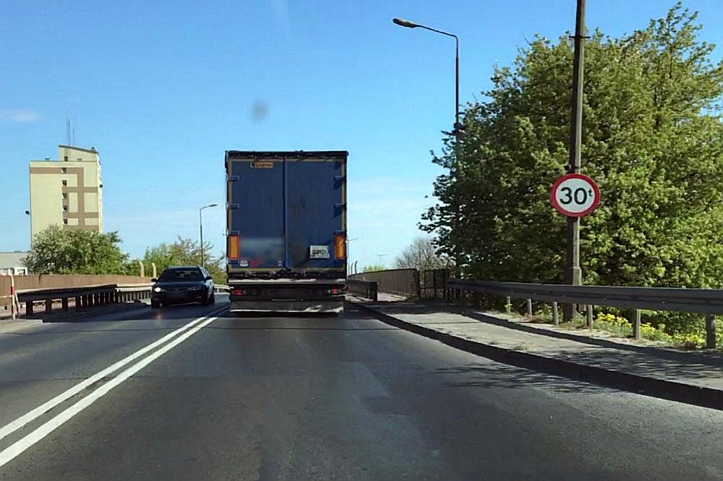 Prawo: Rajd ciężarówki po remontowanych ulicach Konina, Magazyn Cieżarówki