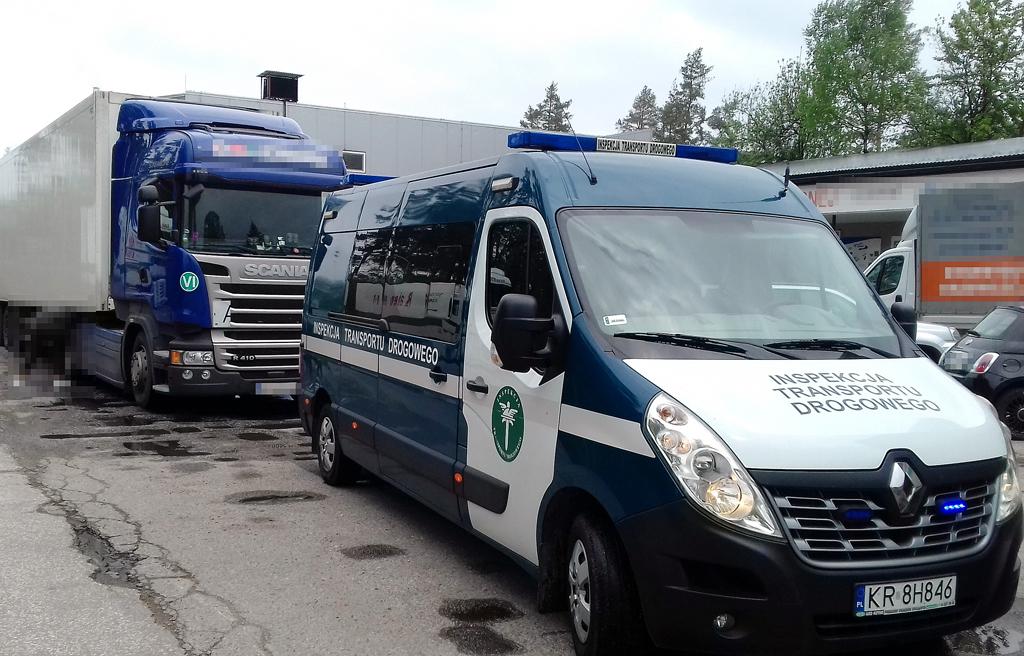 Prawo: Macedoński sposób na tachograf wykryty przez ITD, Magazyn Ciężarówki