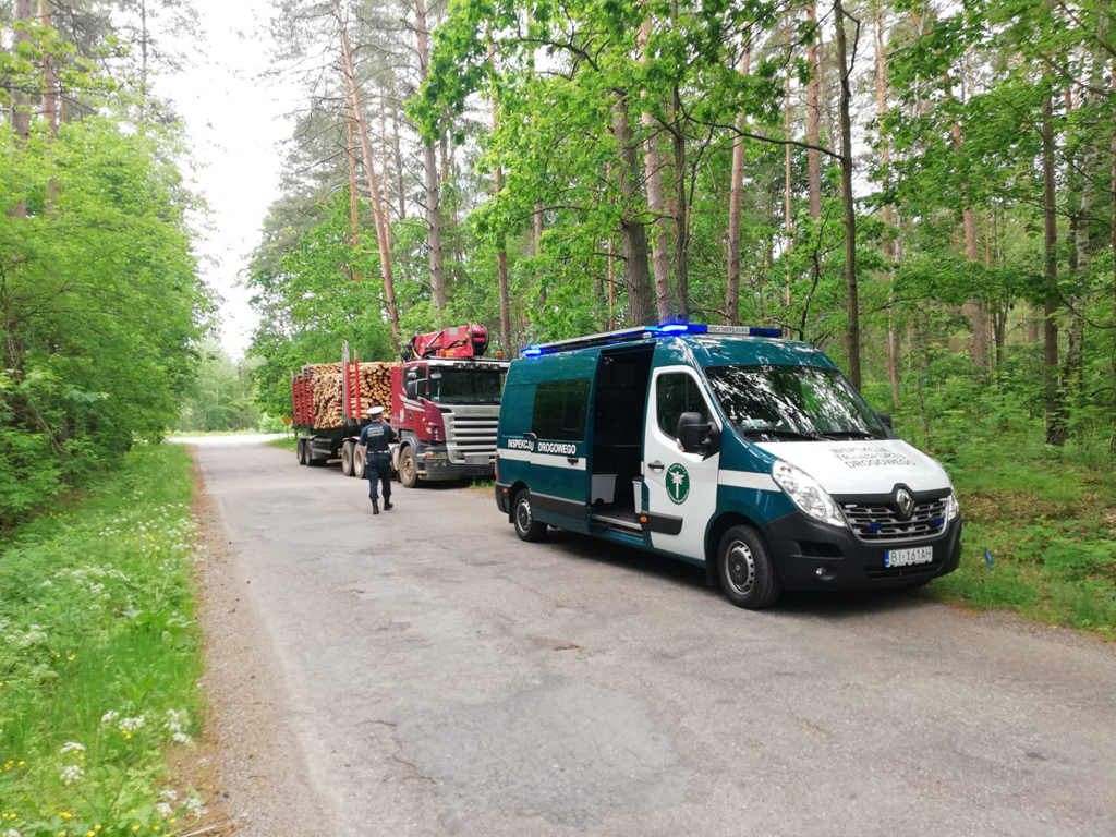 Prawo: Na widok inspektorów ITD poczuł się źle i w lesie szukał orzeźwienia, Magazyn Ciężarówki