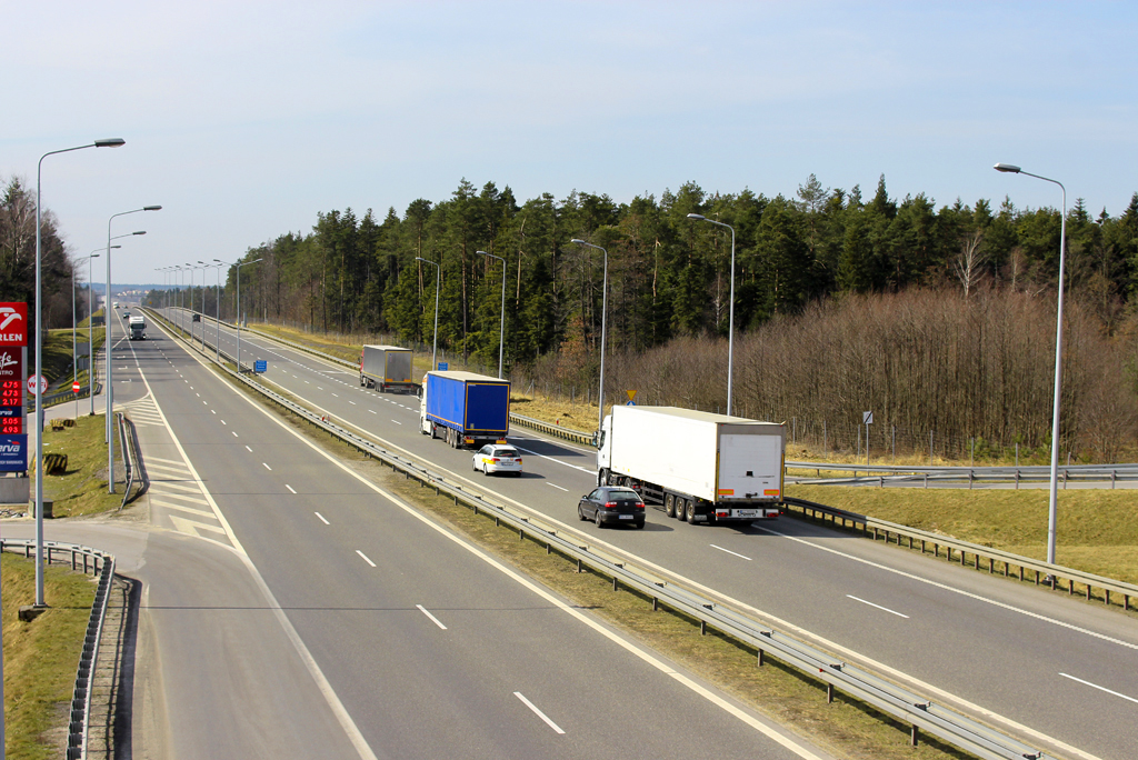 Prawo: Rząd zezwolił na jazdę ciężarówek 10 czerwca 2020 r., Magazyn Ciężarówki