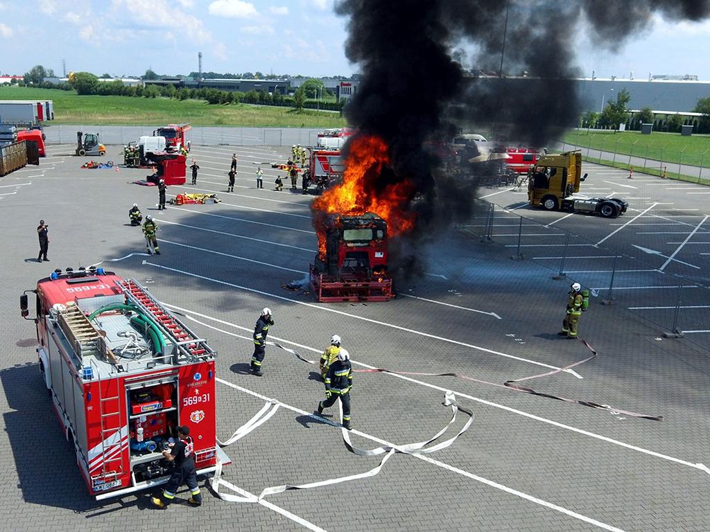 MAN: Warsztaty dla strażaków, Magazyn Ciężarówki