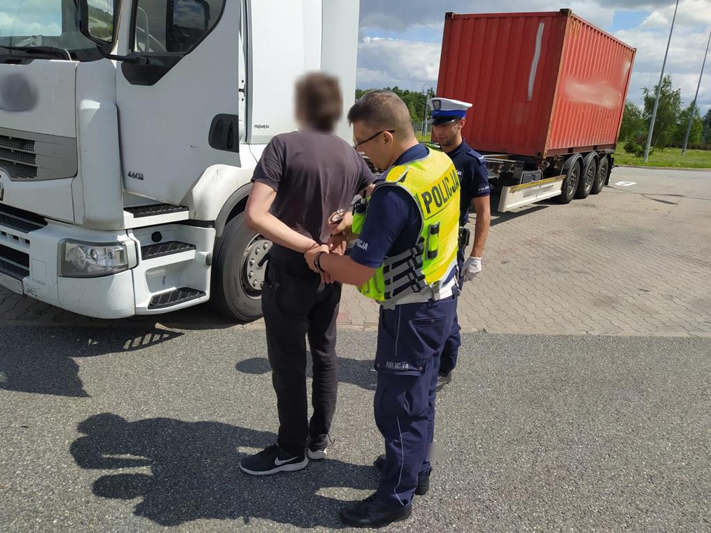 PRAWO: Kierowca ciężarówki na autostradzie A1 pod wpływem amfetaminy, Magazyn Cieżarówki