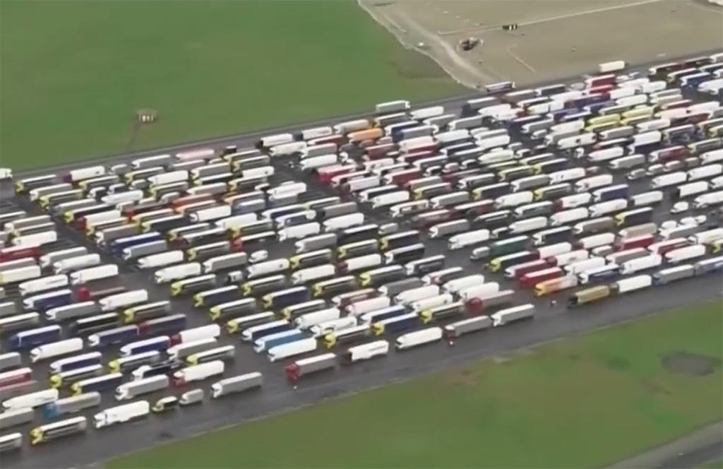 Kierowcy ciężarówek utknęli w Dover, Truckslog.pl