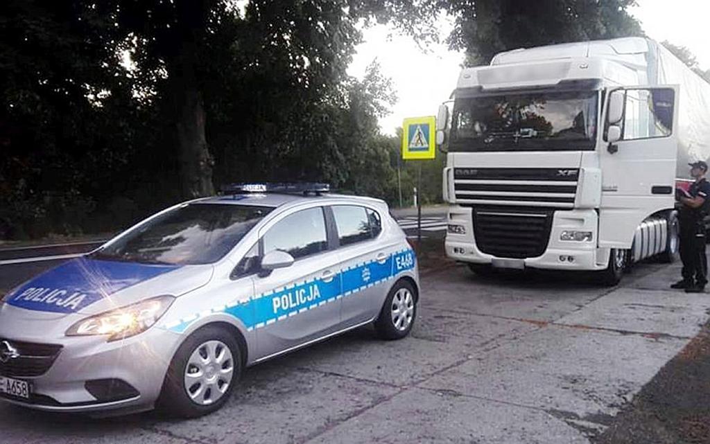 PRAWO: Pijany kierowca ciężarówki miał 2,5 promila alkoholu w organizmie, Truckslog.pl
