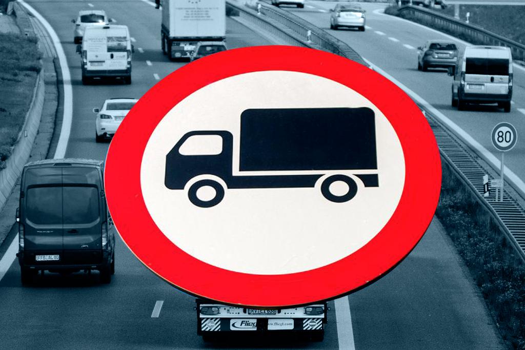 PRAWO: Ograniczenia w ruchu samochodów ciężarowych w święta, Truckslog.pl