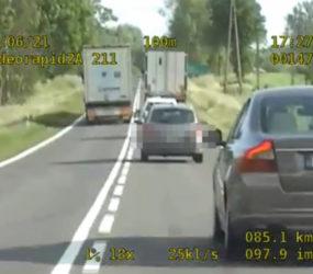 PRAWO: Kolejne niebezpieczne wyprzedzanie! Tym razem kierowca rumuńskiej ciężarówki